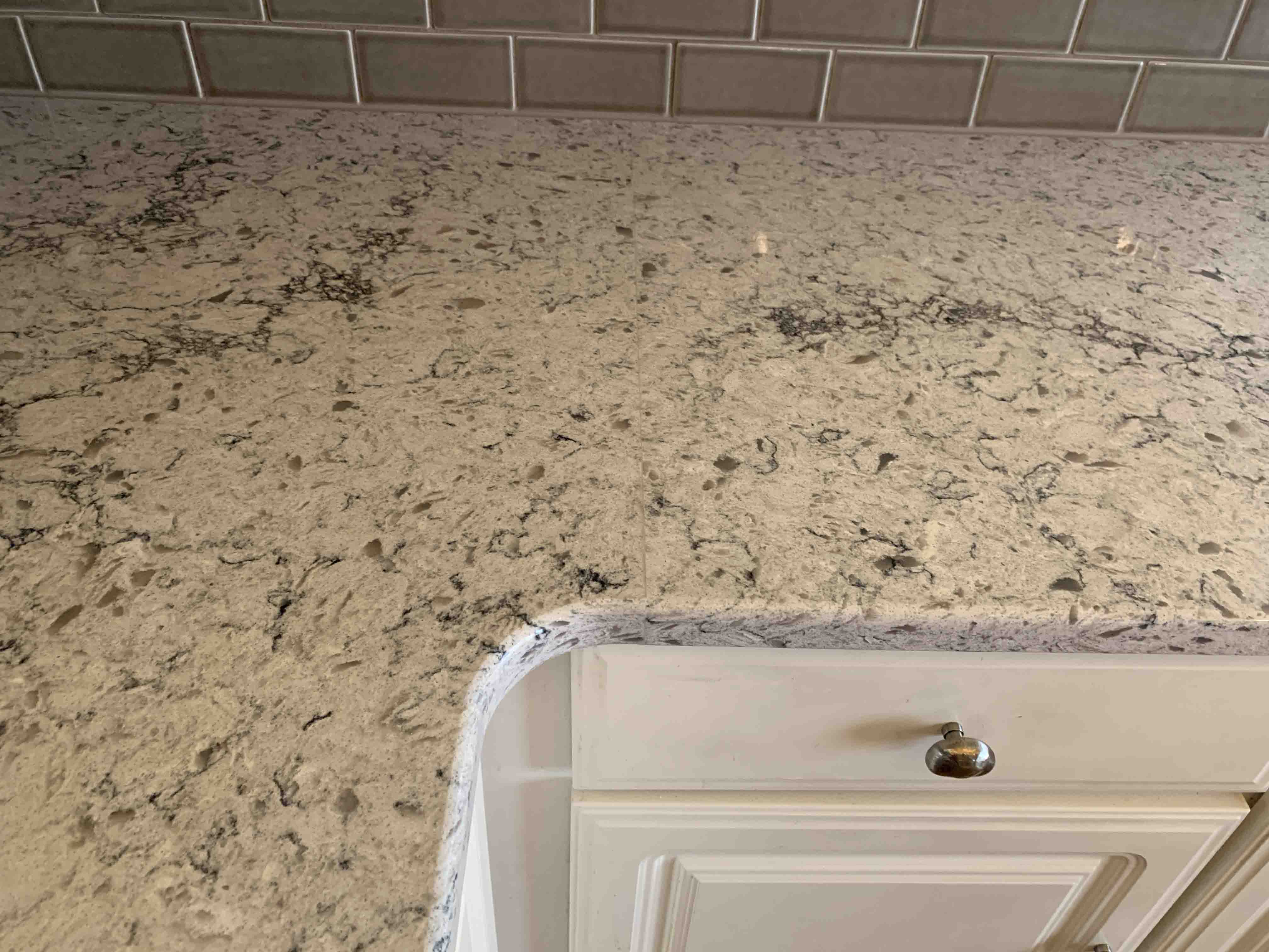 WILL MY STONE COUNTERTOPS HAVE SEAMS?