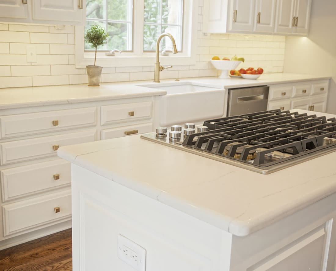 4 Things to Know About Buying and Installing a Farmhouse Style Sink